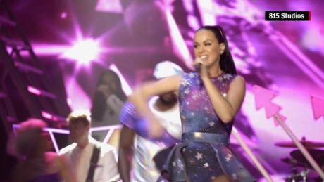 katy perry at dubai airshow gala _00002219