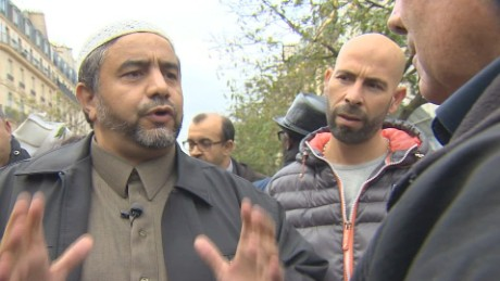 paris muslims denounce terror attacks_00004822