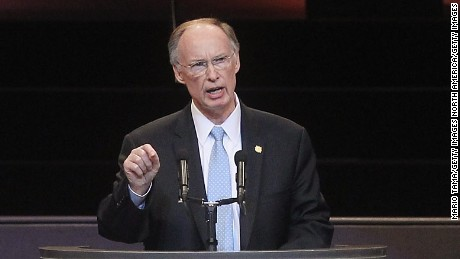 Will Alabama Gov. heed calls to resign over alleged affair?
