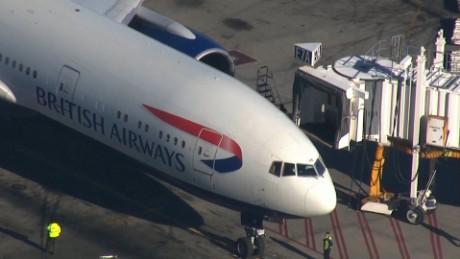Passenger restrained on flight British Airways marsh_00000000