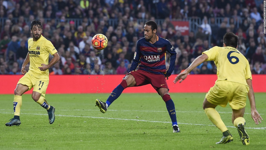 <strong>November 8, 2015:  </strong>In Messi's absence, Luis Suarez and Neymar stepped up and hit prolific form. The latter has eight goals in his last five La Liga matches. The Brazilian scores his second goal in Barcelona's match against Villarreal, an incredible flick, pirouette and volley to put his team 3-0 up.