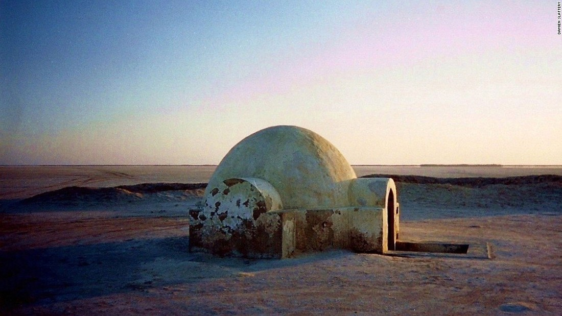 "The igloo exterior of Luke's house was filmed about 300 kilometers away on the dried-up salt lake of Chott El Jerid. It was rebuilt for ""Attack of the Clones,"" and later restored by a fan."