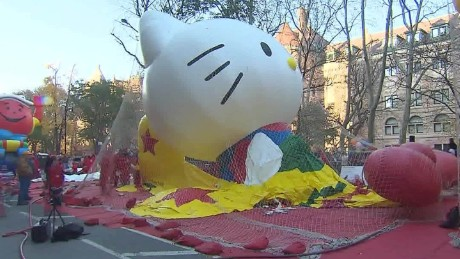 Macys Balloon Time Lapse thanksgiving parade sot_00005913.jpg