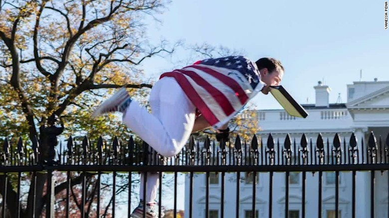 2015: White House jumper charged with 'unlawful entry'