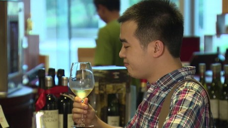 cnnee pkg wine countefeit_00011514