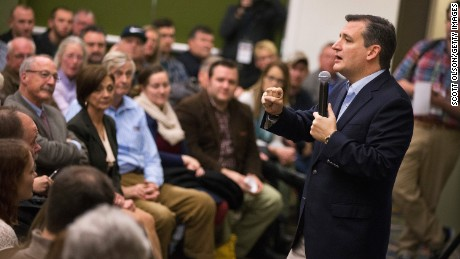 Republican presidential candidate Ted Cruz (R-TX), speaks to supporters at the Presidential Family Forum on November 20, 2015 in Des Moines, Iowa.