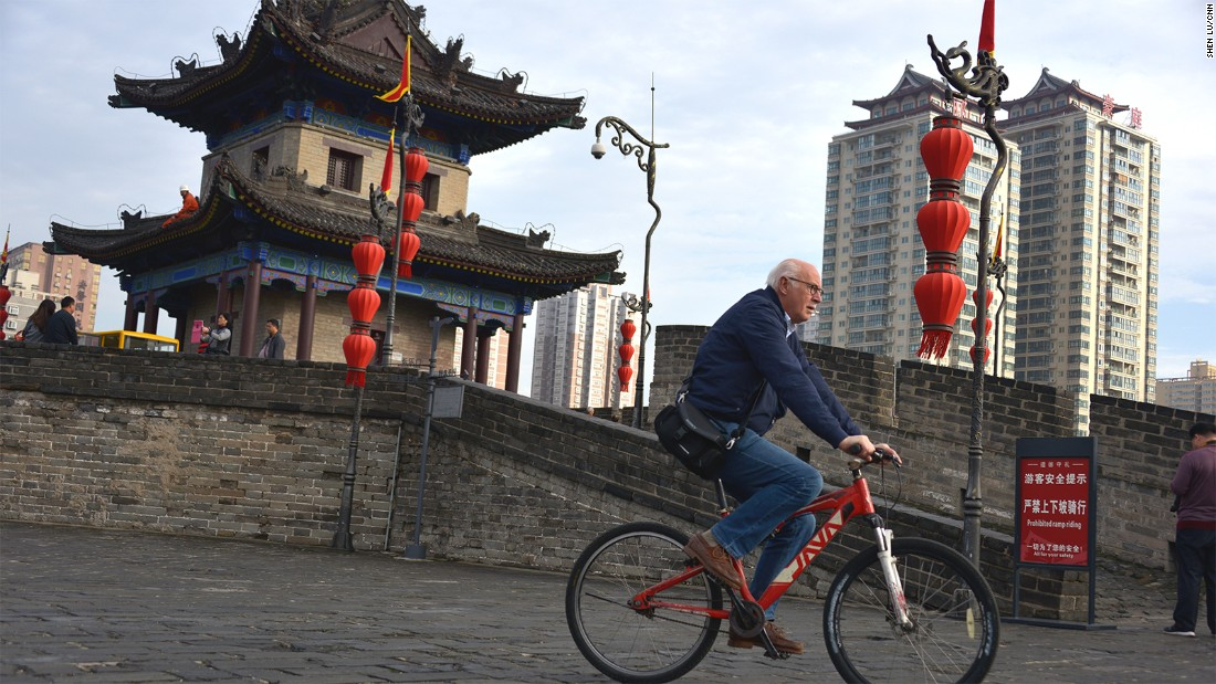 You can't enter Xi'an's Terracotta Army pit and take selfies with the warriors. But you can run, walk and bike on the City Wall. A bike ride is the best and quickest way to explore the wall.