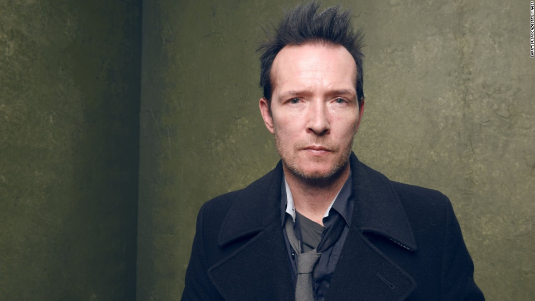 "<a href=""http://www.cnn.com/2015/12/04/entertainment/scott-weiland-stone-temple-pilots-death/index.html"" target=""_blank"">Scott Weiland</a>, lead singer of Stone Temple Pilots and Velvet Revolver, died December 3 at age 48. Weiland died of an <a href=""http://www.cnn.com/2015/12/18/entertainment/scott-weiland-cause-of-death-feat/"" target=""_blank"">accidental overdose</a> of alcohol and drugs, the Hennepin County (Minnesota) Medical Examiner's Office said."