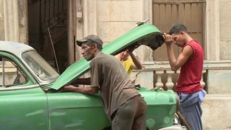 cuba vintage car mechanics ripley orig_00004927