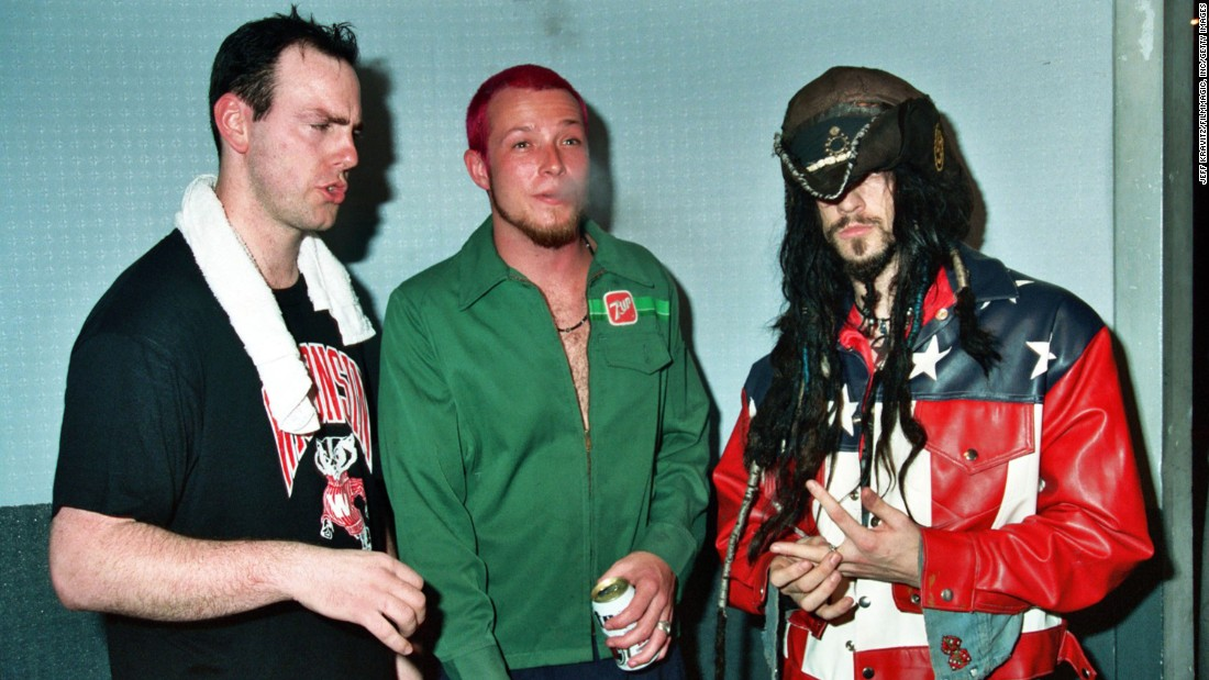 "Weiland, center, rose to fame as Stone Temple Pilots' frontman. The band formed in Southern California in the late '80s and had success right out of the gate with ""Core,"" its 1992 debut. Here, Weiland hangs out with Greg Graffin of Bad Religion, left, and Rob Zombie at the 1993 Rock for Choice benefit concert."