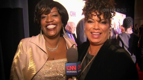 cnnheroes tribute show red carpet sots_00004902.jpg