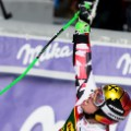 marcel hirscher points to sky