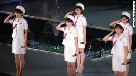 North Korea's girl band goes to China