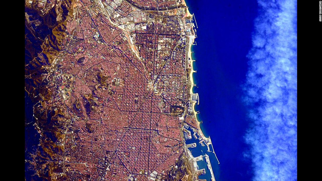 "July 28: ""#GoodMorning #Barcelona, #Spain! Looking beautiful as usual from @Space_Station. #YearInSpace"""
