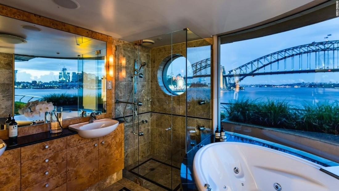 Sydney  39 s best bathroom view  La Cornice has three bedrooms  3 5. 11 luxury homes to rent for your next trip   CNN com