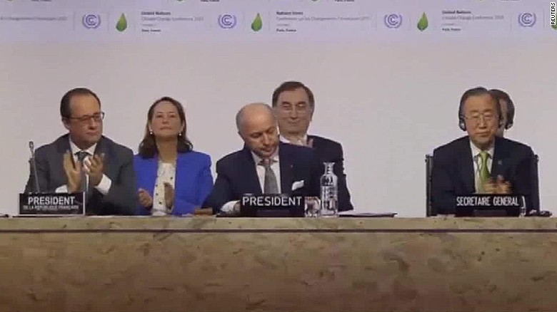 2015: Delegates approve landmark climate change deal