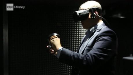 cnnee pkg stelter newtube oculus tv _00031915