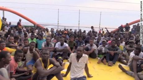 african migrants kriel pkg_00003021