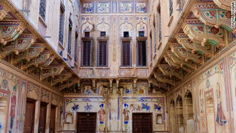 India's beautiful haveli (painted mansions)