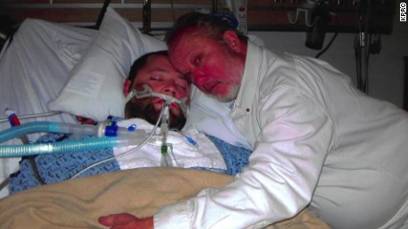 father standoff in hospital over son texas _00003005