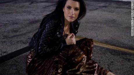 CNNEE Warner Music / Laura Pausini
