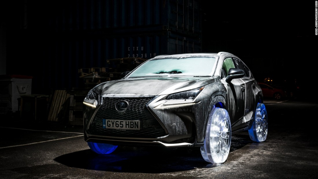 With help from professional ice sculptors, Lexus fitted this NX crossover with wheels and tires made from ice, and sent it driving on a road in London. The car was frozen for five days at -30°C before the new wheels were installed.