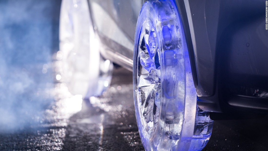 LED lights were installed inside the hand-crafted ice wheels to add a stylish edge. Acrylic parts were added between the ice layers to ensure the wheels could support the car's weight.