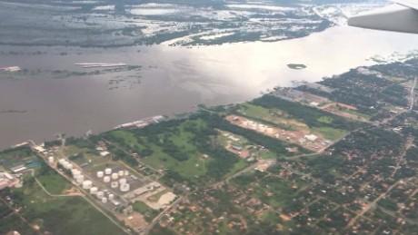 cnnee pkg laje paraguay floods _00001814