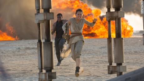 Star Wars: The Force Awakens..L to R: Finn (John Boyega) and Rey (Daisy Ridley) ..Ph: David James..?Lucasfilm 2015