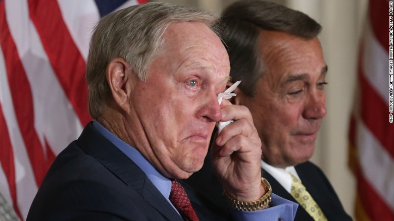 jack nicklaus wipes away tears after listening to the laudatory remarks of his son jack jr