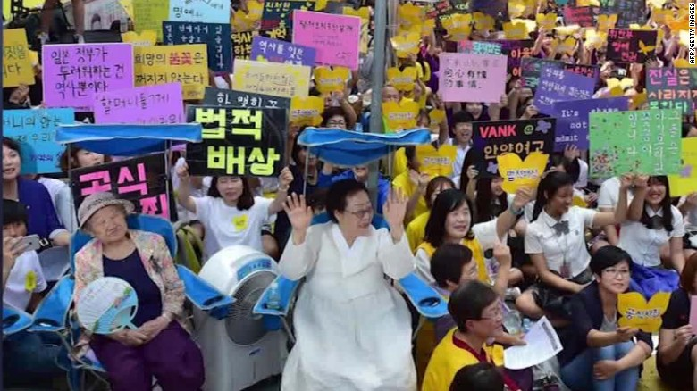 South Korea and Japan reach deal on 'comfort women'