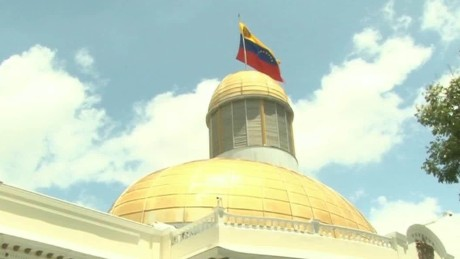 cnnee pkg hernandez venezuela economy 2016 _00020906