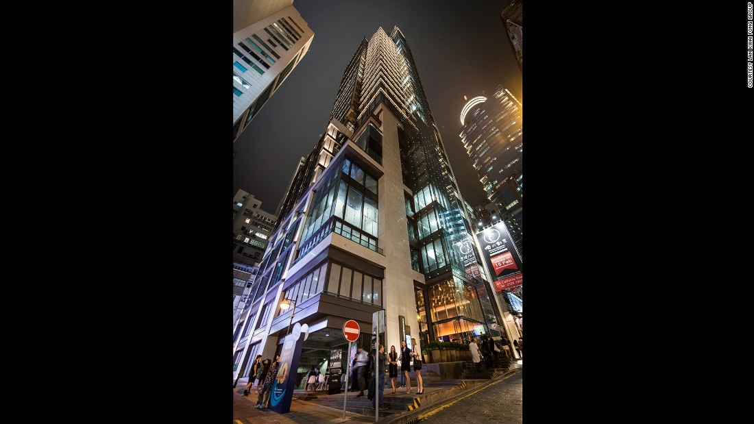 "The 2010 demolition of the iconic California Tower and California Entertainment Building was a sad day for many Hong Kongers (<a href=""http://travel.cnn.com/hong-kong/drink/lan-kwai-fong-used-to-be-more-fun-262656/"">see our ""eulogy"" for them</a>). But the California Tower has returned as a bigger and (so say owners) better landmark."