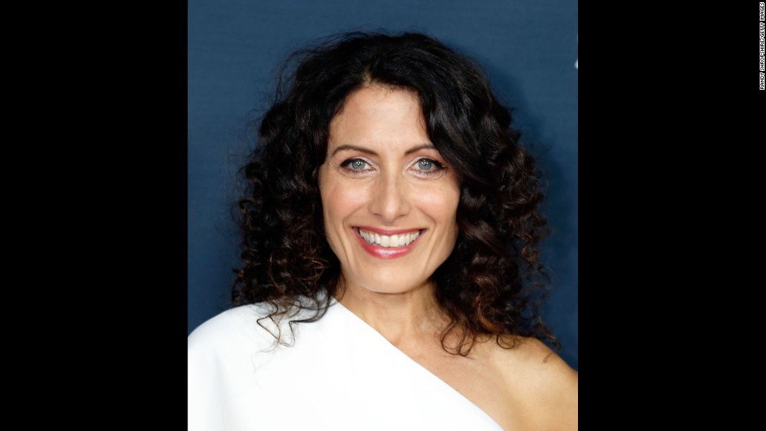 """House"" co-star Lisa Edelstein mared 50 years on May 21."