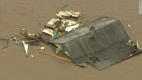missouri floods roof rescue house underwater mobile_00000614
