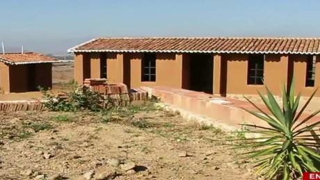 cnnee pkg rodriguez mezcal oaxaca library _00013226