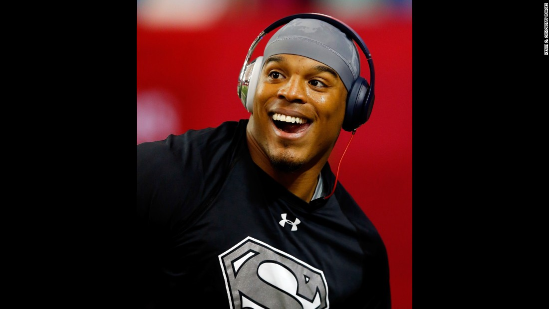 """Carolina Panthers quarterback Cam Newton has a newborn son with his longtime girlfriend Kia Proctor, the <a href=""""https://twitter.com/CameronNewton/status/682353691744141314?ref_src=twsrc%5Etfw"""" target=""""_blank"""">football player tweeted</a> on Wednesday, December 30. """"Our family is excited and thank you all for the well wishes!"""" he wrote."""