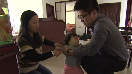 China legally allows couples to have 2 children