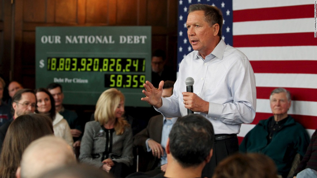 Ohio Gov. John Kasich, a Republican presidential candidate, participates in a town-hall meeting in Nashua, New Hampshire, on Tuesday, December 29.