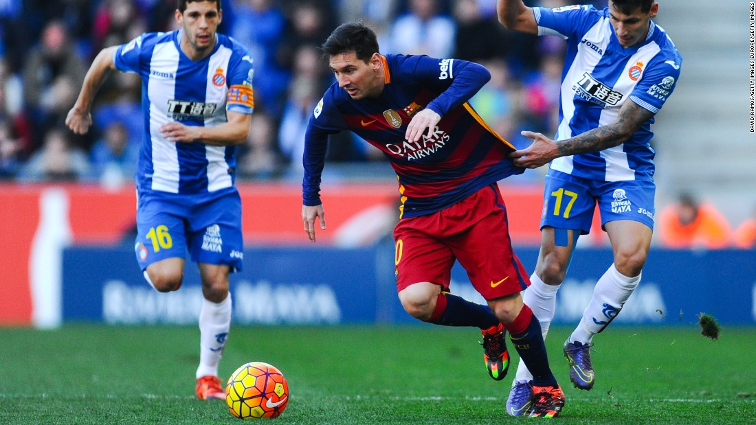 Espanyol held city rival Barcelona to a 0-0 draw in Saturday's La Liga matchup between the pair.
