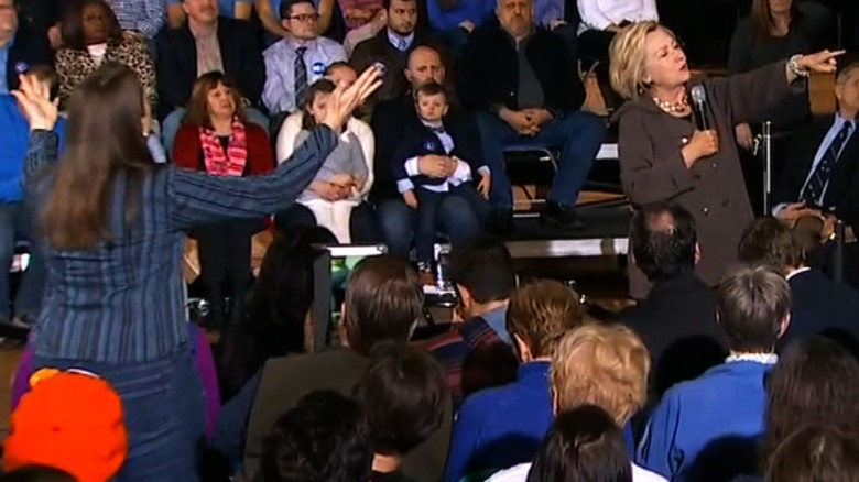Hillary Clinton heckler Juanita Broaderick New Hampshire_00011722