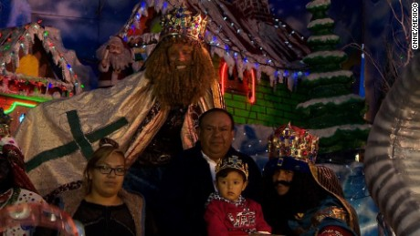 cnnee pkg rodriguez kings day belen mexico tradition _00002404