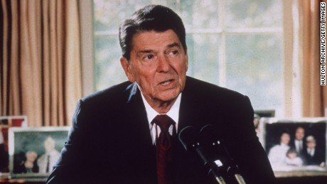Ronald Reagan in the Oval Office in 1985