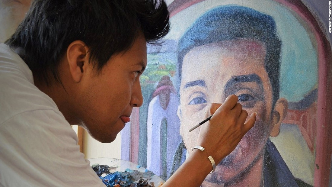 Painters in Mexico have taken up their brushes to raise awareness of 43 missing students from Iguala.