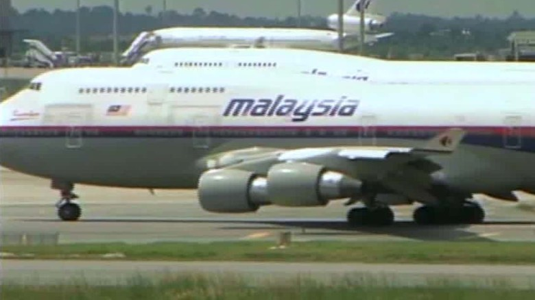 malaysia airlines lifts luggage ban quest qmb_00002521