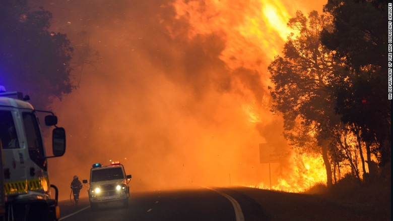 Bushfires threaten homes in Australia