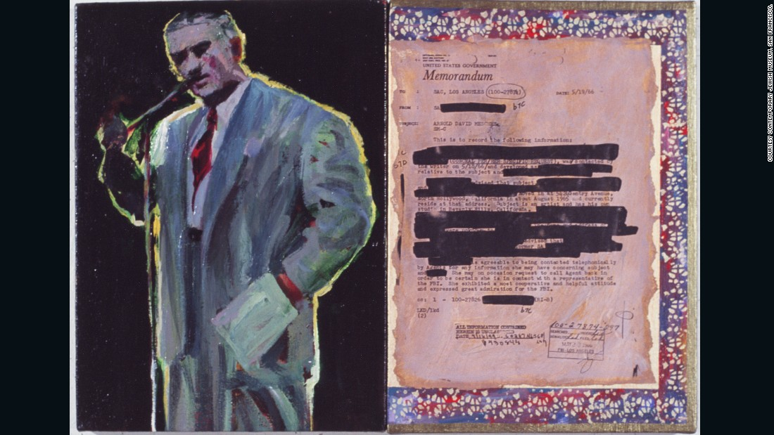 The artist (now 92 years old) received 700 pages, often heavily redacted, dating from the 1940s to the 70s .