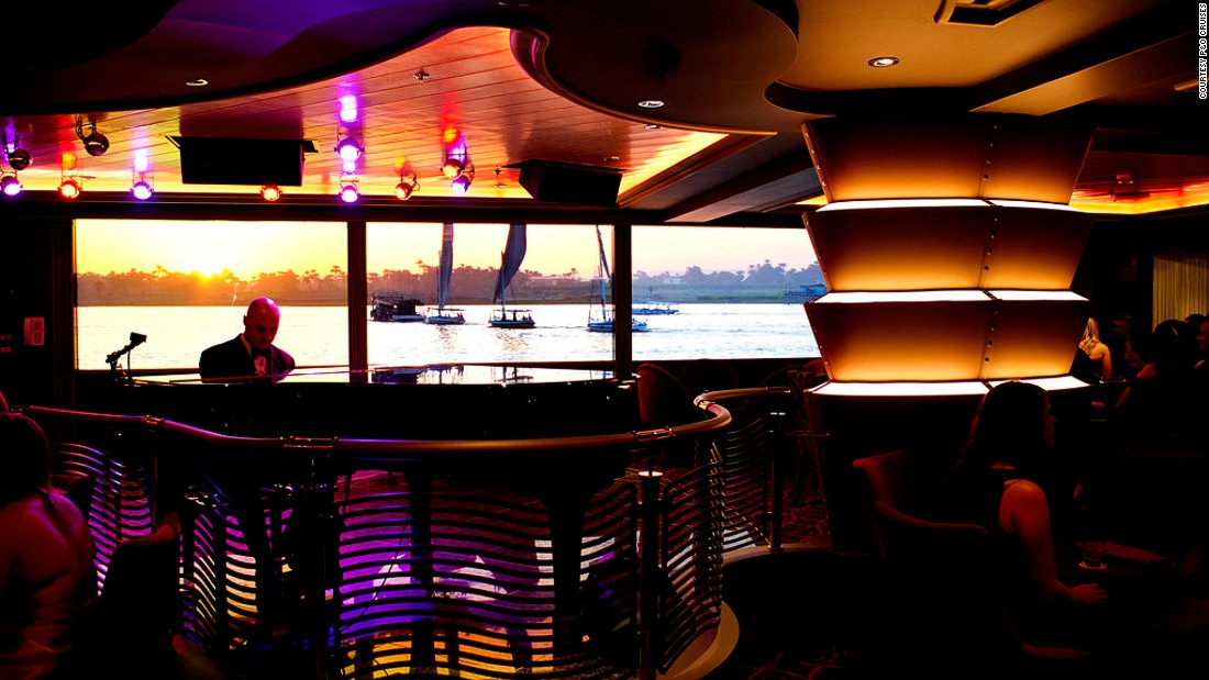 Planet Bar features a floor-to-ceiling audiovisual wall that displays some of the world's most striking settings, from fireworks above Sydney Harbour Bridge to a sunset above the Sahara Desert.