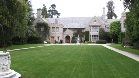 playboy mansion for sale orig mg_00004611