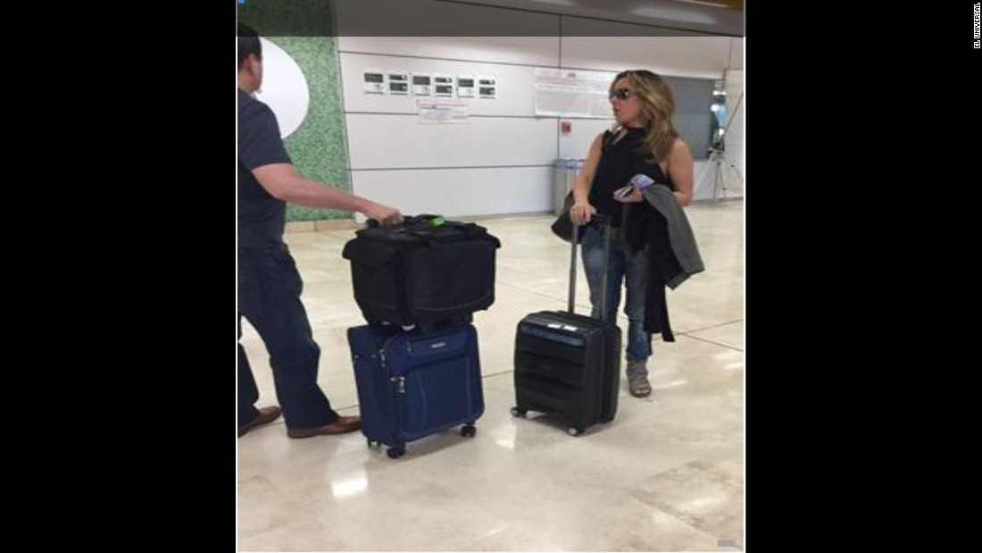 Kate del Castillo arrives at Guadalajara International Airport on September 25, 2015, from Los Angeles. (El Universal)